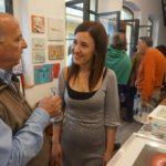 La Artista Plástica Inma Peña en la exposición solidaria