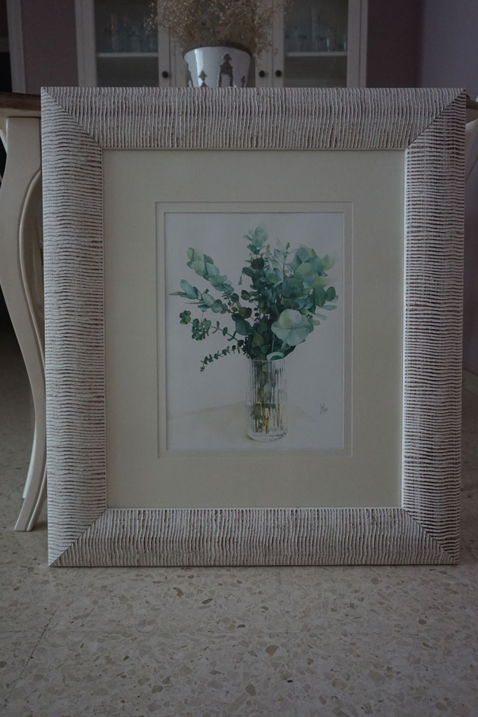 Jarrón con ramas de eucalipto realizado en acuarela por la artista plástica Inma Peña en 2017