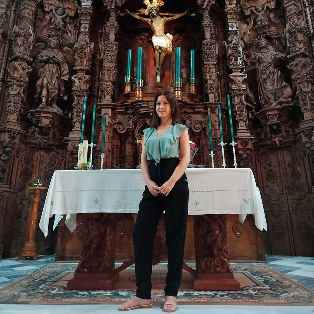 La artista jerezana Inmaculada Peña designada cartelista de la procesión extraordinaria de la Hermandad de la Vera Cruz de Arcos